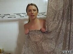 Chantal Taylor Enjoys Thwerg While Talking To Her Brothers Friend