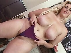 Big Boobs Girl Eating Own Pussy
