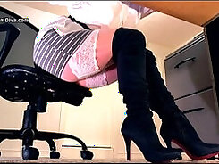 Bitch in striped leggings and sexy stockings is geeting peed