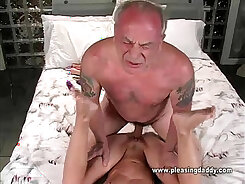 Arab mature woman wants your cock