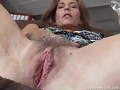 Beautiful mature woman love playing with pussy and asshole