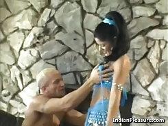 Curvy Babe Makes Orgasm By Rides On A Cock Prada