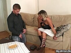 Ball anklebuckette mom Stretched spread legs