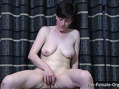 Beautiful Japanese MILF Yuri Hirinkuki oiles her pussy and orgasm
