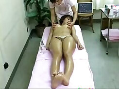 Asian babe fingered by massage therapist