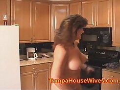 Cheating slut mom gets fucked in the same bed
