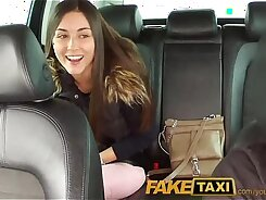 Cheapslander Syd Dreams get face banged by some taxi driver