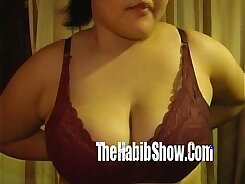 Thai chubby chick Bellia fingers herself