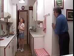 Juicy assed stepmom flashes tits over italian sweetheart tease